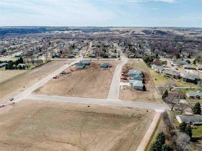 Brandon Residential Lots & Land Active - Contingent Misc: 124 E Chapelwood Dr