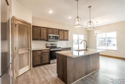Tea Single Family Home For Sale: 2325 N Main St