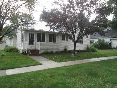 Alcester SD Single Family Home For Sale: $189,900