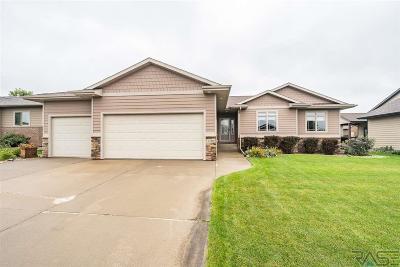 Brandon Single Family Home For Sale: 2708 E Sunflower St