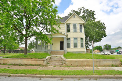 Single Family Home Sold: 2001 Vance Ave