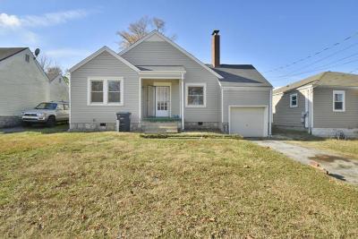 East Ridge Single Family Home For Sale: 405 S Howell Ave