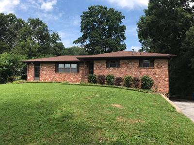Chattanooga Single Family Home For Sale: 4515 E Ravenwood Dr