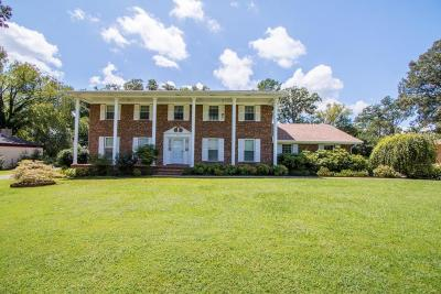 Chattanooga Single Family Home For Sale: 4710 Robinwood Dr
