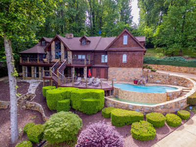 Chattanooga Single Family Home For Sale: 3139 Waterfront Dr