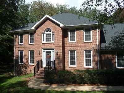 Signal Mountain Single Family Home For Sale: 2221 Fox Run Dr