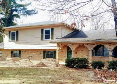 Single Family Home Sold: 707 Woodgate Rd