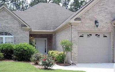 Hixson Townhouse Contingent: 6418 Brookmead Circle