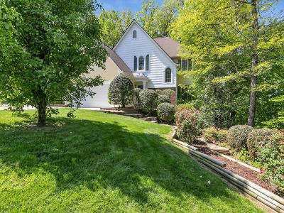 Lenox Hills Single Family Home For Sale: 1777 Sterling Pointe