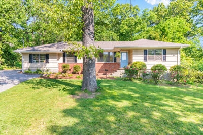 Chattanooga Single Family Home For Sale: 3254 Ozark Cir