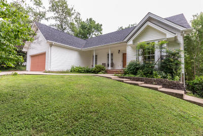 Soddy Daisy Single Family Home For Sale: 2424 Horseshoe Dr