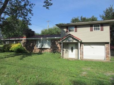 Dayton Single Family Home For Sale: 797 Oak St