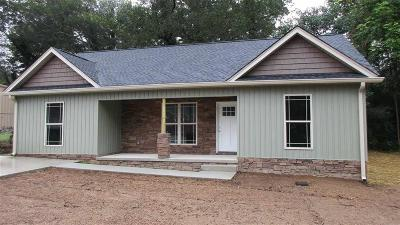 Soddy Daisy Single Family Home For Sale: 329 Durham St