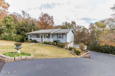 Chattanooga Single Family Home For Sale: 5402 Autumn Wood Dr