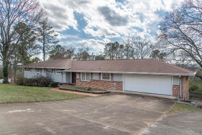 Chattanooga Single Family Home For Sale: 4723 Lake Hills Cir