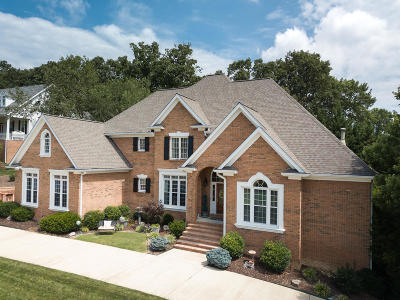 Chattanooga Single Family Home For Sale: 728 Sunset Mountain Dr
