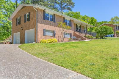 Chattanooga Single Family Home For Sale: 2126 Colonial Pkwy Dr