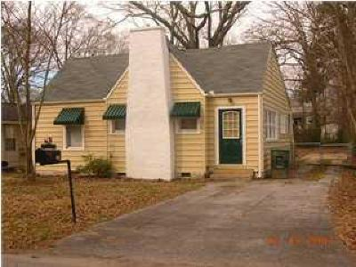 Single Family Home For Sale: 211 S Howell Ave