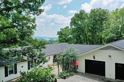 Chattanooga Single Family Home For Sale: 1100 S River Hills Dr