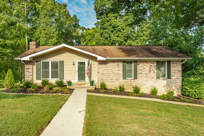 Chattanooga Single Family Home For Sale: 2427 Hickory Ridge Dr