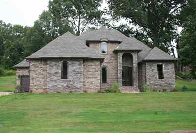 Dyersburg Single Family Home For Sale: 804 Scotsman Trace