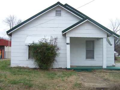 Single Family Home Active-Extended: 3062 N First