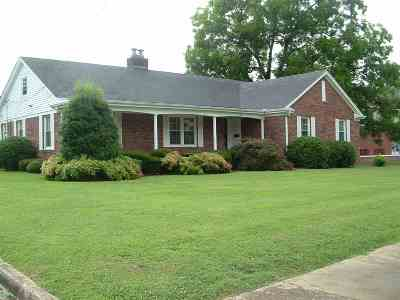 Trenton Single Family Home For Sale: 508 S College