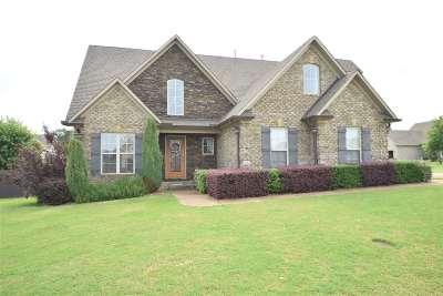 Medina Single Family Home For Sale: 104 Bridgestone