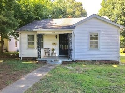 Newbern Single Family Home For Sale: 614 E Main St.