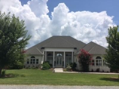 Trenton Single Family Home For Sale: 72 Graves Lane