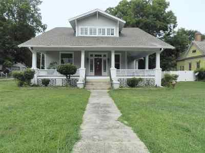 Trenton Single Family Home For Sale: 610 S High