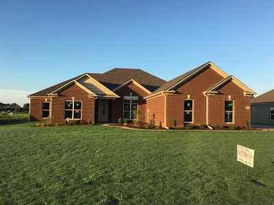 Jackson TN Single Family Home For Sale: $234,900