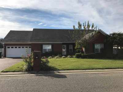 Newbern Single Family Home For Sale: 903 Whispering Pine