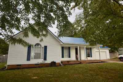 Oakfield Single Family Home For Sale: 22 Clement
