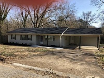 Bradford, Dyer, Gibson, Humbodlt, Humboldt, Huntingdon, Jackson, Kenton, Rutherford, Three Way, Windy City, Yorkville Single Family Home For Sale: 2210 McKnight