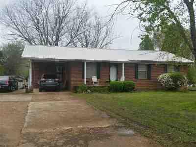 Carroll County Single Family Home For Sale: 13625 Church