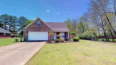 Milan Single Family Home For Sale: 6003 Creekside