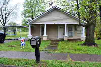 Dyer Single Family Home For Sale: 376 E College