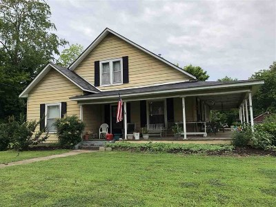 Single Family Home For Sale: 82 Walnut