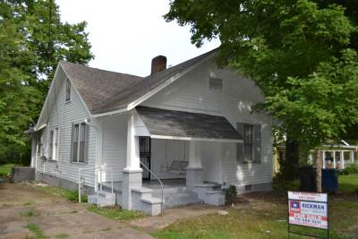 Trenton Single Family Home For Sale: 923 South College