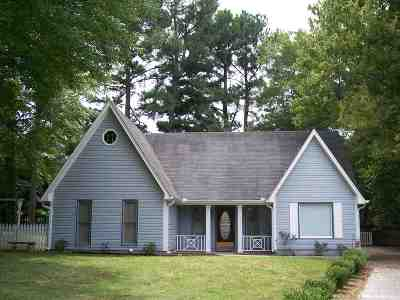 Madison County Single Family Home For Sale: 19 Windy Hill Cove