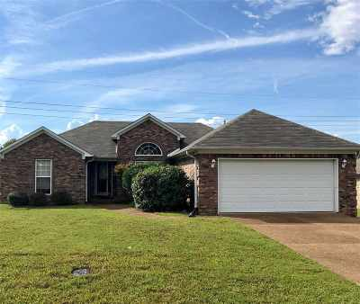 Madison County Single Family Home For Sale: 115 Rampart