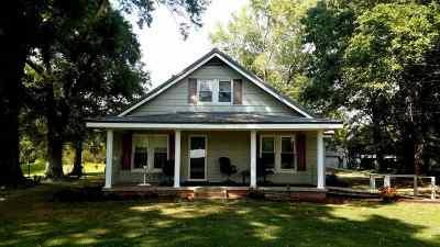Milan Single Family Home For Sale: 298 Trenton