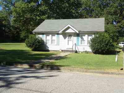 Chester County Single Family Home For Sale: 423 Barham