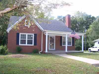 Madison County Single Family Home For Sale: 304 Fairmont