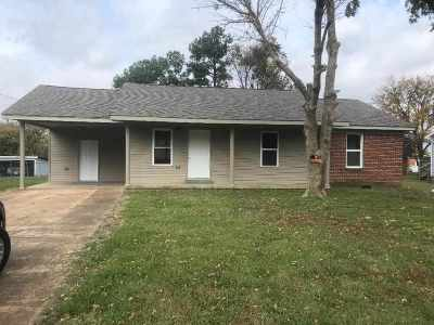 Haywood County Single Family Home For Sale: 1154 E College