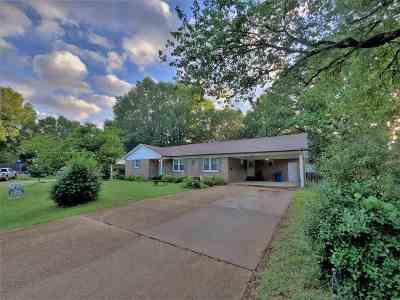 Bradford, Dyer, Gibson, Humbodlt, Humboldt, Huntingdon, Jackson, Kenton, Rutherford, Three Way, Windy City, Yorkville Single Family Home For Sale: 929 N 31st