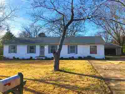 Henderson County Single Family Home For Sale: 69 N Helms St