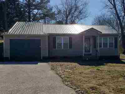 Carroll County Single Family Home For Sale: 1720 E Main
