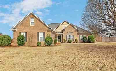 Medina Single Family Home For Sale: 122 Stonecreek